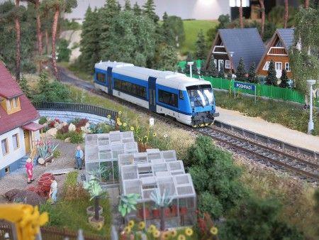 DŮM VLÁČKŮ - modely železnic - OD Petřiny 2.patro – stanice metra linky A