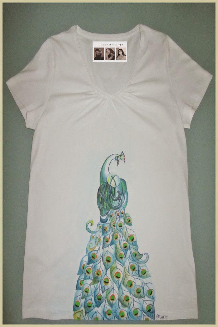 Camiseta personalizada y hecha a mano con pavo real 2.