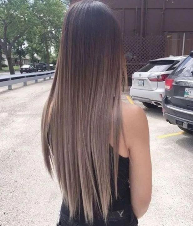 Long Straight Hair With Layers Coolest Hairs Color Trends In 2019 Trendy Hairstyles And Colors 2019 Women Haircuts Straight Hair Hair Styles Hair Highlights