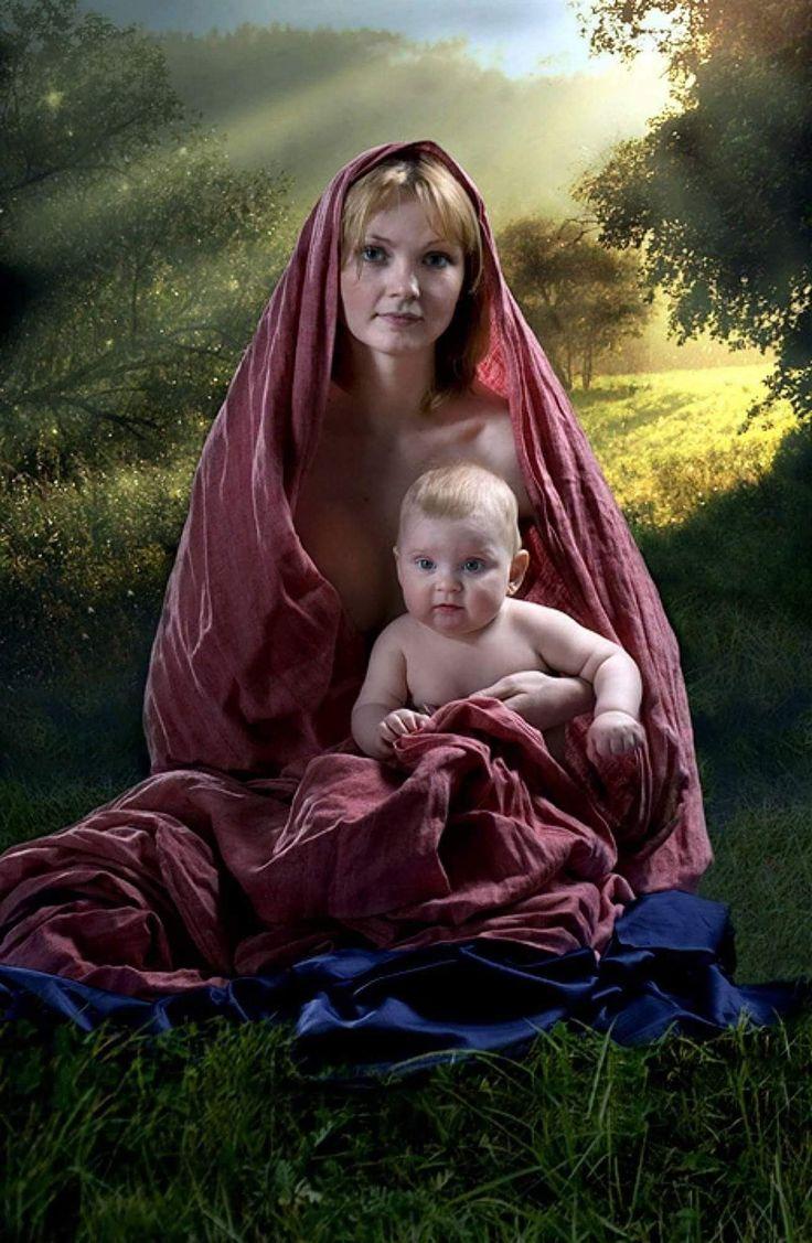 Сделать открытки, картинки женщина с младенцем на руках