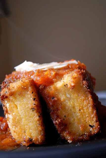 Fried Grit Cakes | Eatin' on the Cheap Use the leftover grits for this! Thomas Keller strikes again!