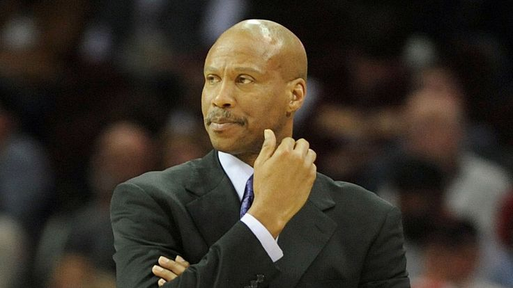 Los Angeles Lakers offer Byron Scott head-coaching job