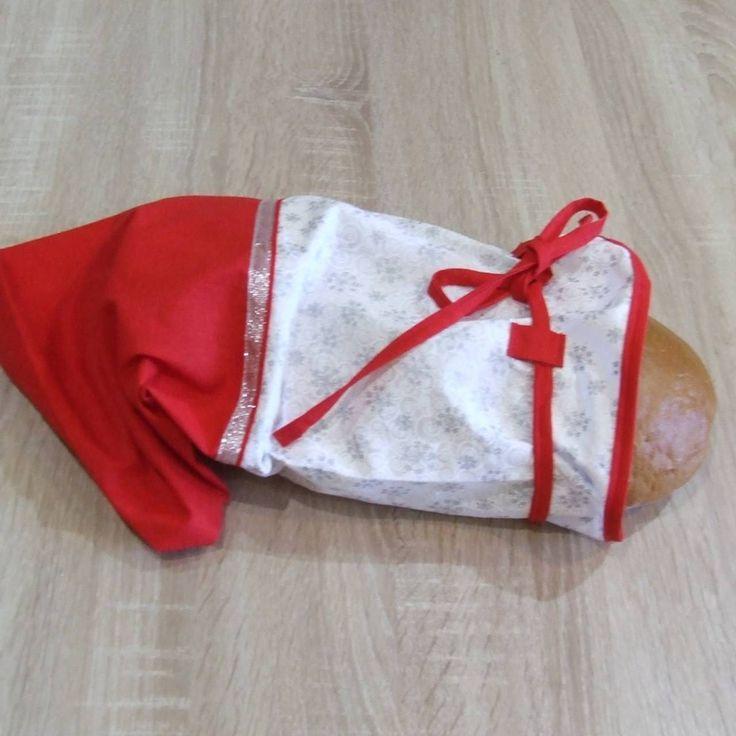 Úžitkový textil - Červeno strieborné vločky - vianočný obal na chlieb - 7147141_