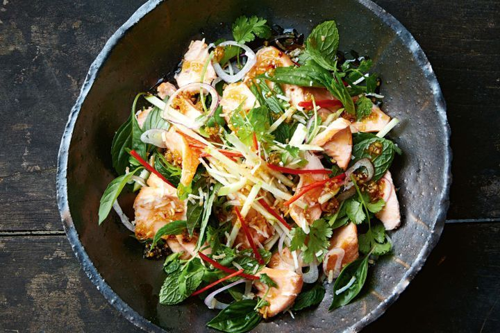 Crispy salmon and chilli caramel salad