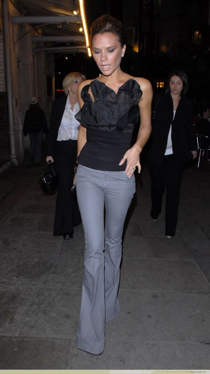 May 15th - London - Victoria having dinner with family at J Sheekey restaurant - 011 - ZIGAZIG HA! Gallery