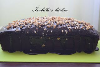 Izabella`s kitchen Chec danez cu cacao decorat cu nuca.