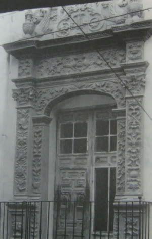 CASA CELDRÁN Las 4 Esquinas Site, Trapería Street DESTRUIDO. Se conserva una copia de la fachada en el pueblo español de Barcelona