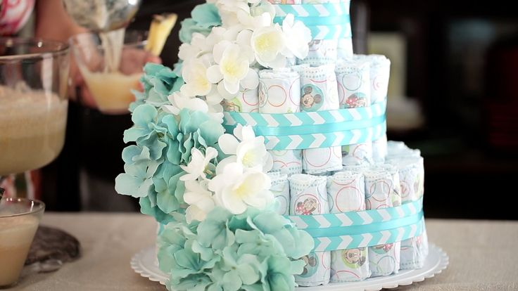 How to Make a Diaper Cake and Festive Punch for a Baby Shower | Muy Bueno