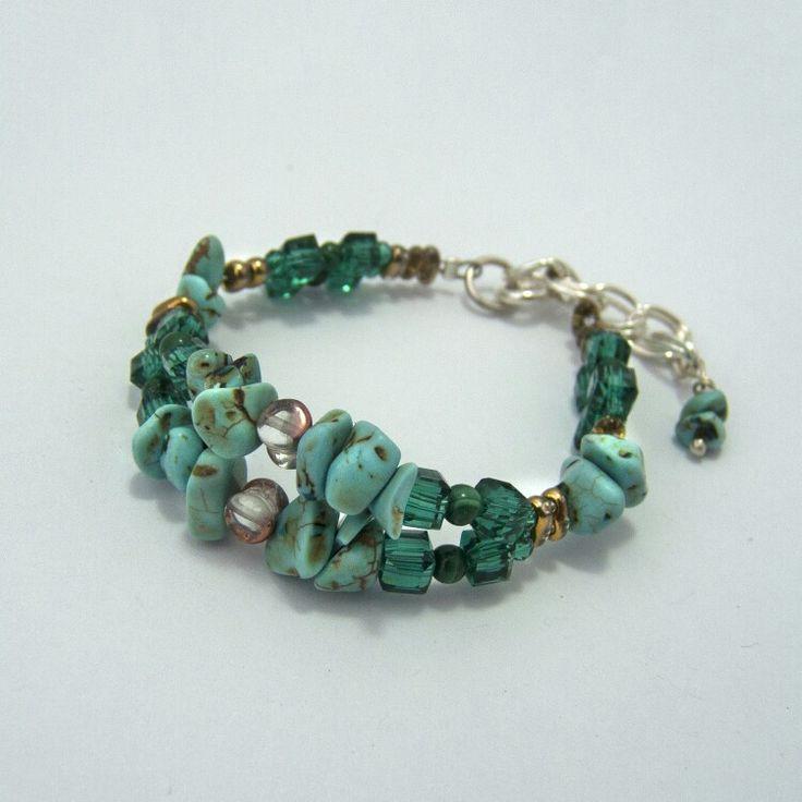 Pulsera de piedras y cristales naturales. Disponibles en www.infinitastore.com