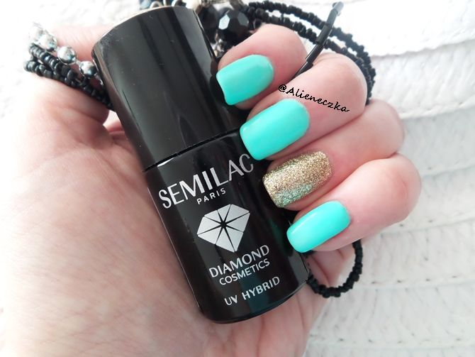 "Hybrid Manicure. Semilac ""Mint"" and ""Gold Disco""."
