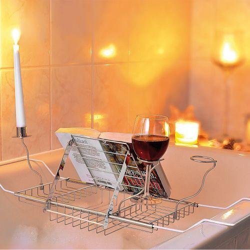 Die Badewannenauflage 3in1 ist ein schönes und nützliches Geschenk für entspannte Stunden, während man ein Bad nimmt.