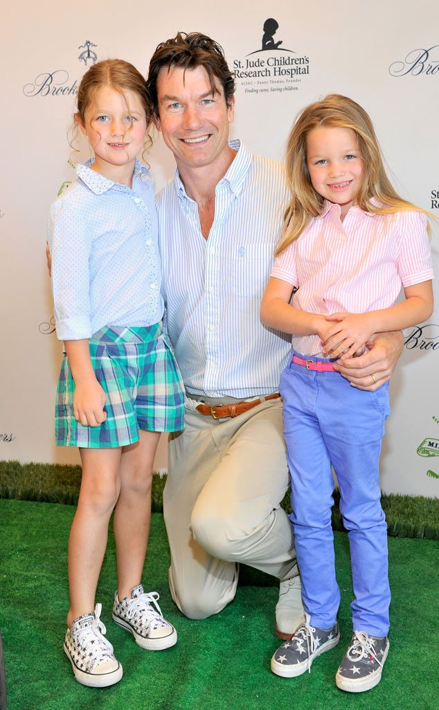 Jerry O'Connell and Rebecca Romijn's Twin Daughters Look Like Red Carpet Pros at Charity Event?Take a Look! | E! Online Mobile