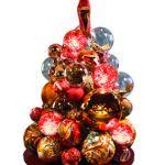 La #moda sotto l'albero di #Natale, ecco gli abeti vestiti dagli #stilisti http://www.firenzepuntog.com/la-moda-sotto-lalbero-di-natale-ecco-gli-abeti-vestiti-dagli-stilisti/  #moda #xmastree #xmas #ferragamo