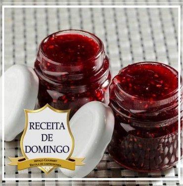 Receita de GELEIA DE MORANGOS, BALSÂMICO E PIMENTA ROSA
