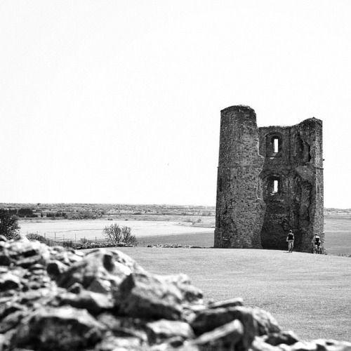 Hadleigh castle black black and white landscape16th centuryruinscastle historyphotographyfotografiehistoriaruin