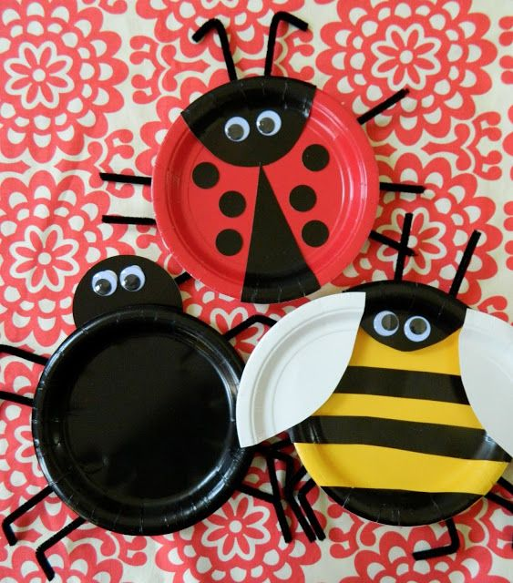 the vintage umbrella: paper plate bugs