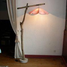 Unique lampadaire bois flotté chêne