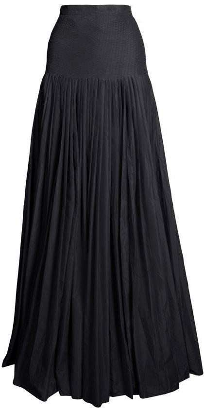 plain black parachute skirt <3
