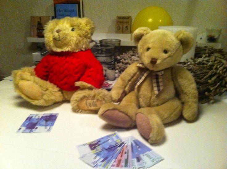Family Nights: Serie: Mijn hart.... Verzamel geen schatten (Deel 5, Mattheus 6:19-21) - Welke beer is rijker? De beer die zelf meer geld heeft of die meer weggeeft?