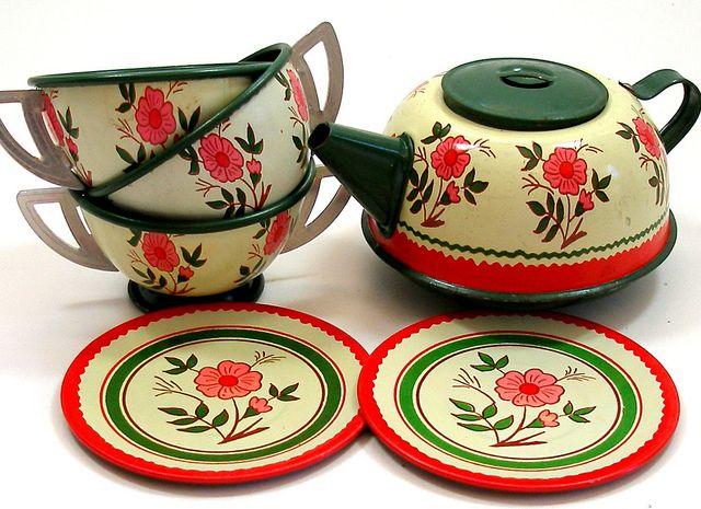Vintage Ohio Art childrens tea set. by AlliesAdornments, via Flickr