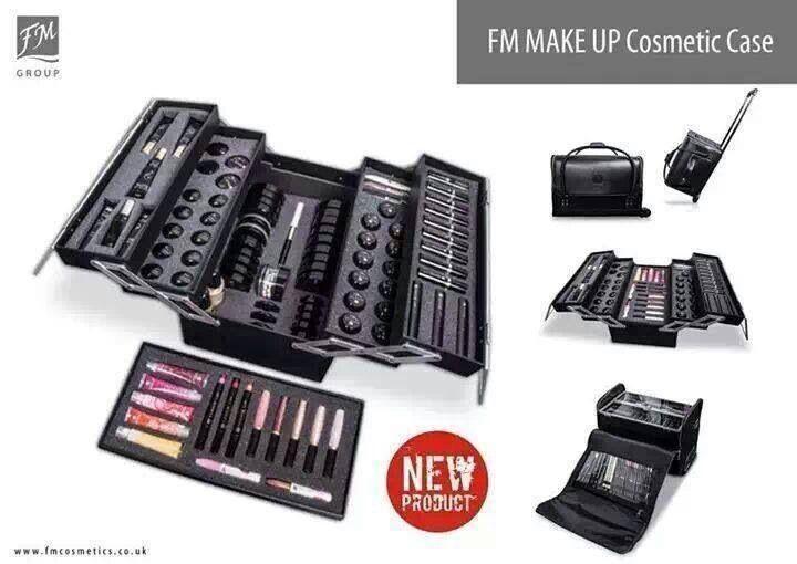 Nieuw en vanaf nu verkrijgbaar in Nederland, de make-up koffer van FM!