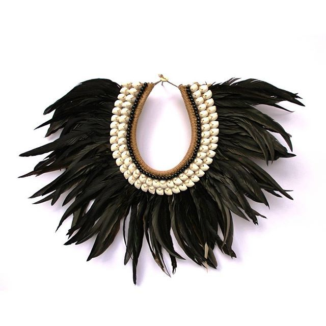WOWZA. Imagine this on the wall. It would be stunning. To shop now, hit the link in our profile or search 'Tribal shell feather necklace' on dtll.com.au #dtll #downthatlittlelane