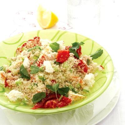 Salata de cuscus cu rosii coapte si branza de capra