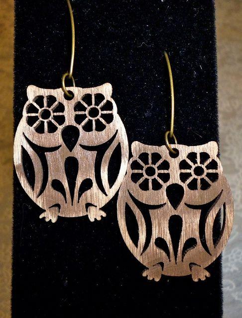 Wooden Owl earrings by @Lorna