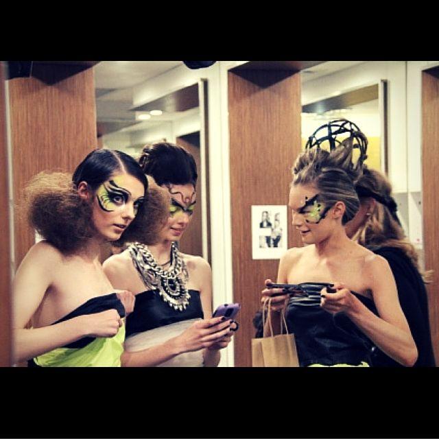 Behind the scenes -  Girls on their phones! #yellowstrawberryhairandbeauty #bodyartandfacemasks #dontdopretty #DDP