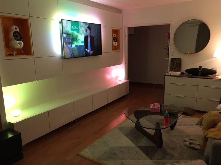 Vidéo Timelapse  Comment créer un mur multimédia Salons, Ikea - comment fixer un meuble au mur
