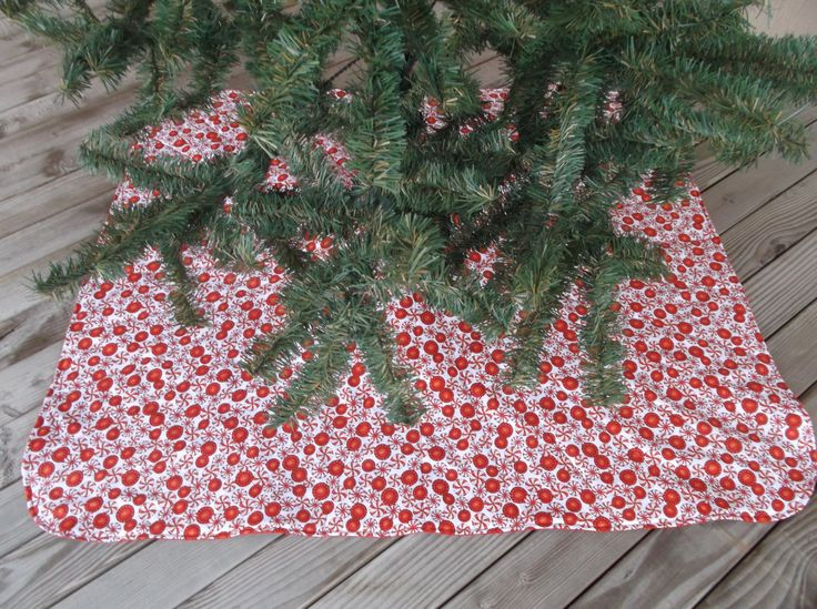 Peppermint candy Christmas tree skirt, Christmas decor, quilted tree skirt, candy print, for 6 foot tree by 3Jenerations on Etsy