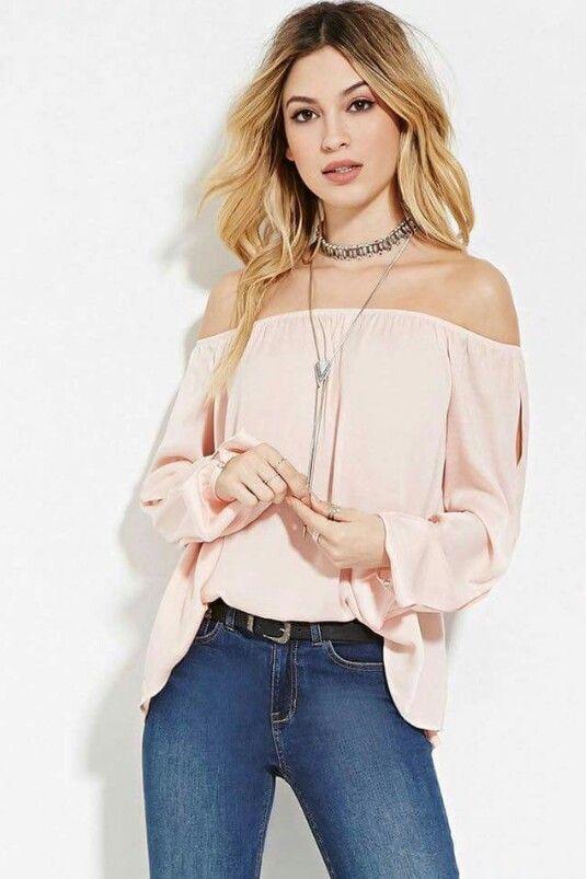 Blusas a los hombros de moda