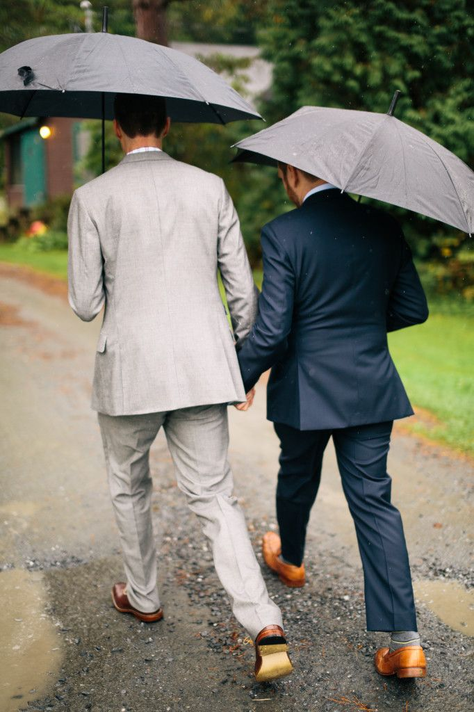 A lovely rainy day wedding at Loch Lyme Lodge wedding - Lyme, NH #weddedbliss #NH