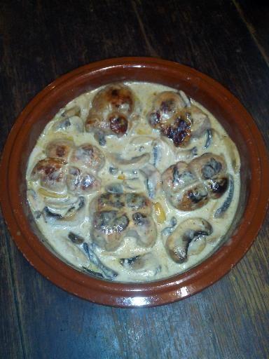 Paupiettes de porc à la crème et aux champignons - Recette de cuisine Marmiton : une recette