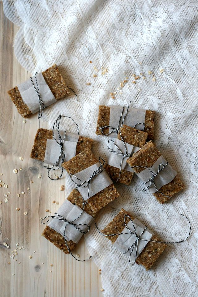 Healthy sticky quinoa bars | Yellow lemon tree
