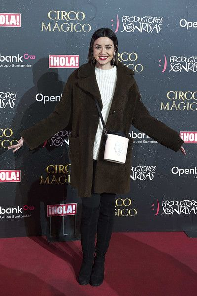 Spanish actress Dafne Fernandez attends 'Circo Magico' premiere on December 22, 2017 in Madrid, Spain. - 15 of 39