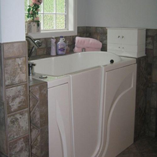 walk in bathtub prices - http://newurbanhomes.com/walk-in-bathtub-prices