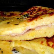 Plněný bramborový koláč se šunkou a sýrem recept - Vareni.cz