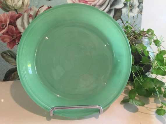 https://www.etsy.com/au/listing/510102455/vintage-agee-pyrex-colourware-sprayware?ref=shop_home_active_4 Vintage Pyrex Colourware Sprayware 8.5 inch pie dish