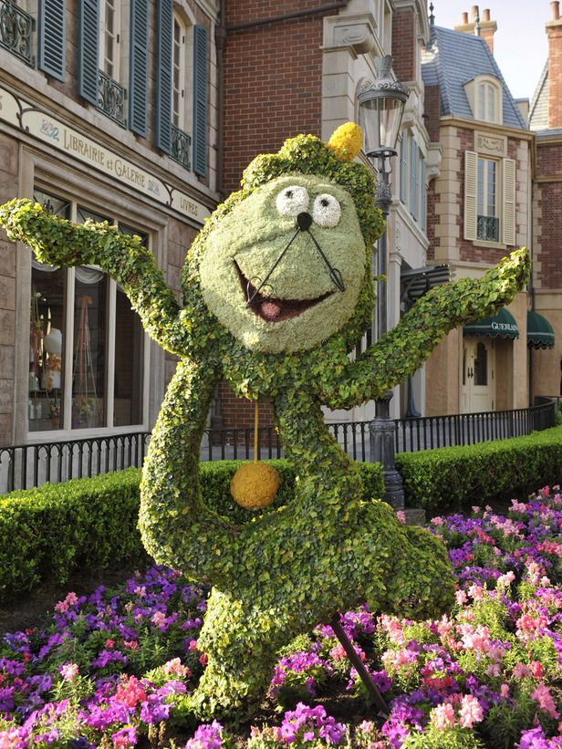 so cute!...a Cogsworth topiary at the annual Epcot International Flower & Garden Festival in Florida.