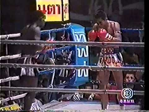 Joel Caesar vs Den Muangsurin This is an EPIC fight due to Joel onslaught and Den magnificent comeback from it.  Don't mess with a spear knee!