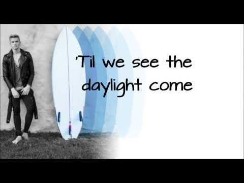 Surfboard - Cody Simpson + Lyrics on screen