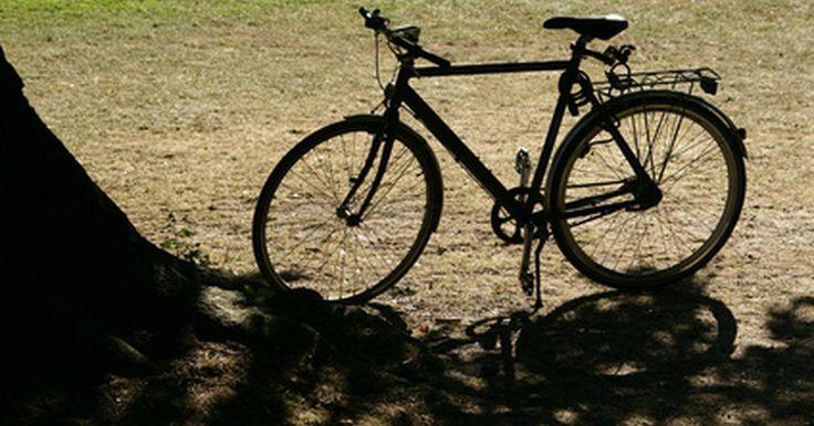 Como encontrar o ano de fabricação de uma bicicleta Cannondale. A Cannondale é uma empresa fabricante de bicicletas sediada em Bethel, Connecticut. Ela opera em toda a América do Norte e tem inúmeras filiais em países como Holanda, Japão e Austrália. As bicicletas Cannondale são conhecidas pelo uso em terrenos irregulares, bem como para serem usadas por ciclistas de estrada, e elas já existem há muitos anos. ...