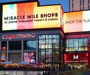 Shopping in Las Vegas - guide to shopping malls, high end stores, outlets and the must-see stores