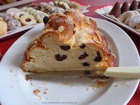 Máslová vánočka. Nadýchaná dobrota - s kakaem, máslem a domácí marmeládou, to je ideální snídaně nejen na vánoční rána. Když se rozleží...