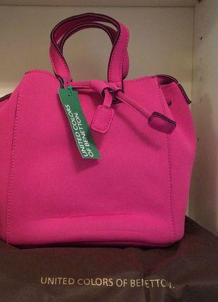 Kaufe meinen Artikel bei #Kleiderkreisel http://www.kleiderkreisel.de/damentaschen/handtaschen/128778778-benetton-beuteltasche-schultertasche-neopren-soft-pink-fucsia-neu-mit-etikett