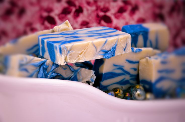 Another version of Blue Lagoon Close Shave Soap - preventing nicks and slices out of your man's cheeks. These bars are super-moisturizing and incredibly luxurious.