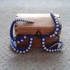 Tentacle Box