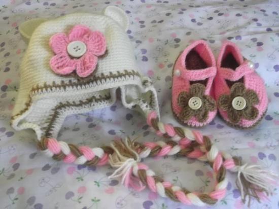 gorritos tejidos a mano en lana / hilo, para bebes y niñoshttp://listado.mercadolibre.com.pe/_CustId_113400328