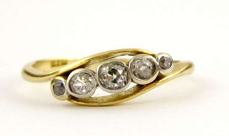 Hallmarked 18ct Gold Ring Set with 5 Diamonds Setting Size P - The Collectors Bag